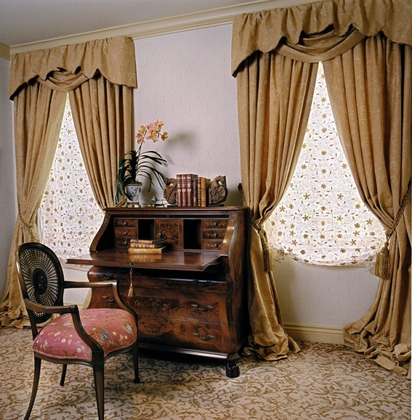 gold-curtains-1-13